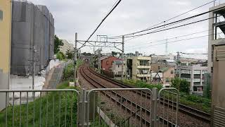 【後打ち】あざみ野駅を発車する東急8500系