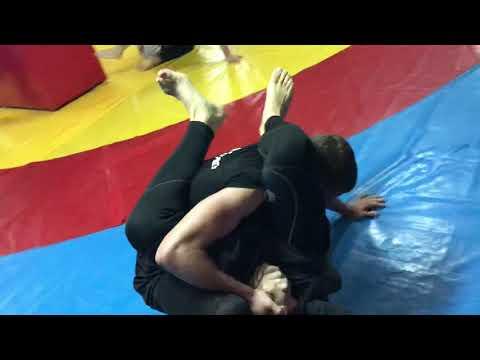 Workout training mma ( Sparing mma)Boxing,jiu jitsu,grapling,tawekondo,wrestling,crossfit.