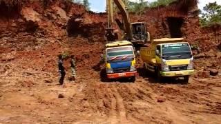 Penambangan Batu Cadas, Desa Karanganyar, Kec. Gandrungmangu