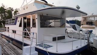 41 Gibson Houseboat, 1989, Bills Bay Marina, Red Wing, MN
