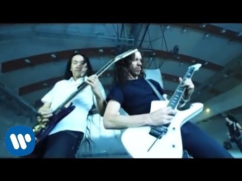 DragonForce - Heroes Of Our Time [OFFICIAL VIDEO]