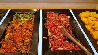 쿠우쿠우 스시롤과 샐러드바 Sushi and salad…