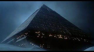 """The Legacy Of """"Stargate"""" - A Roland Emmerich Film."""