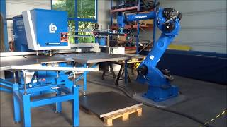Stanzmaschine Compact Roboter