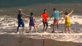 Шторм на море в Алуште  видео.3gp(, 2010-09-15T20:37:29.000Z)