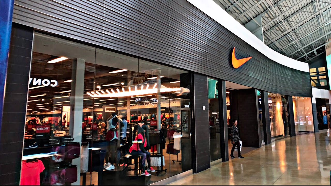 Nike Outlet Store In A Mall Strange Youtube