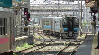 JR青森駅 奥羽本線 青森行き到着【GV-E400系・649D】 2021.05.25