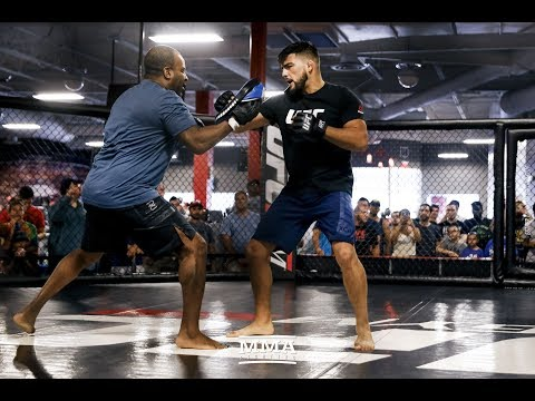 UFC on FOX 25: Kelvin Gastelum Open Workout - MMA Fighting