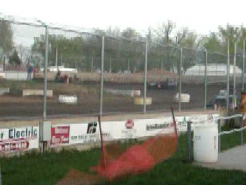 Warren County Speedway Heat Race 199 April 17, 2010
