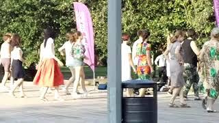 russian girls square dance practice 俄罗斯女孩广场舞练习