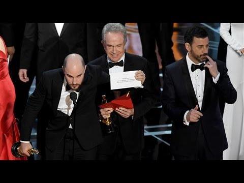 The Moment 'La La Land' Mistakenly Won an Oscar