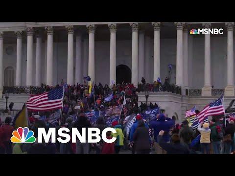 FBI Agent Acknowledges Trump Backers Discussed 'Revolution' Before Jan. 6