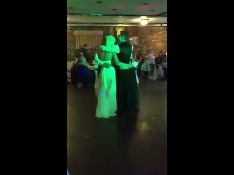 Emotional First Dance to Pink Floyd