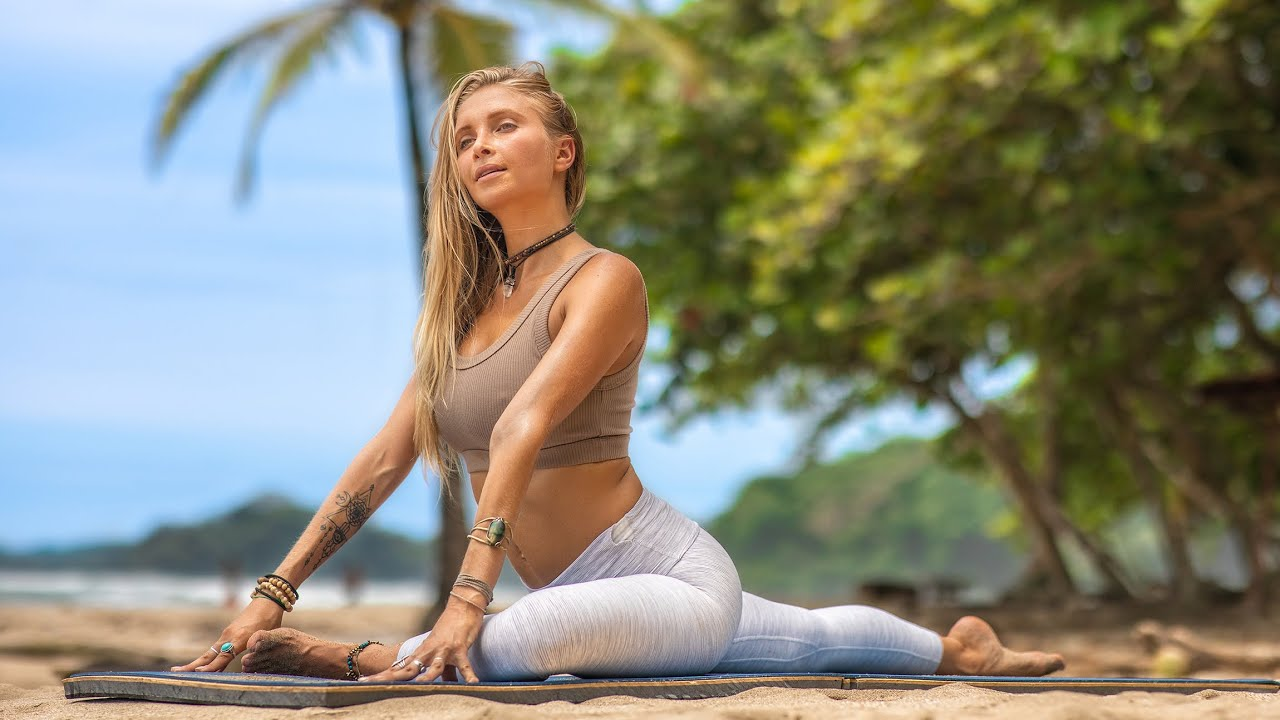 Download 20 Min Total Body Yoga | A Feel Good Yoga Flow To Rejuvenate Your Day