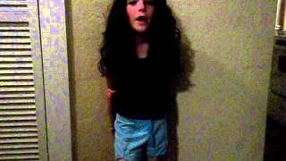 LITTLE GIRL SINGS LIKE A PRO!!!!!!!