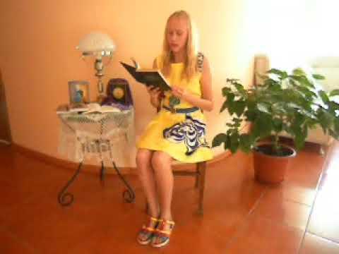 Изображение предпросмотра прочтения – КсенияБобынцева читает произведение «Прошло пять лет, и залечила раны» А.А.Ахматовой