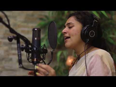 Akhilandeshwari - Maalavika Sundar ft. Pravin Saivi