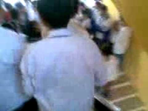 đánh nhau xé áo tụt quần tại lớp 10d2 trường thpt lí thường kiệt - kim bảng - hà nam