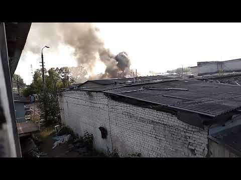 видео: Пожар на заброшенных складах в Твери, 10 июня 2019 года