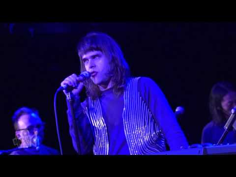 Ariel Pink's Haunted Graffiti - Patent The Groove   (Live in Sydney) | Moshcam