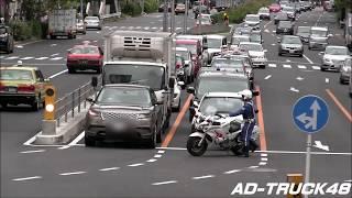 【白バイの取締】LED赤灯で接近し違反車の前に停める白バイFJR1300 イエローカットかな?