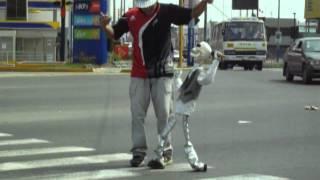 Espectáculo callejero divertido