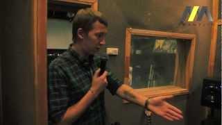 Экскурсия по школе Tramplin (петербургское отделение)(Экскурсия по школе электронной музыки Tramplin. http://tramplin.pro/, 2012-11-01T08:20:32.000Z)