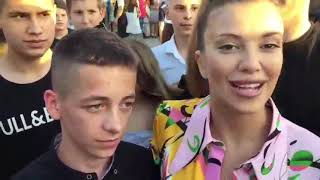 Kija i Veljko stigli na maturu okruženi njenim fanovima - 07.06.2019.