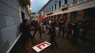 Al menos dos fotógrafos heridos durante protesta a favor de Assange en Quito