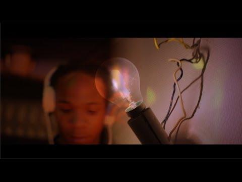Download 17K - [MOUINGUE OURIENGUA] Simao P ft Fofana  clip officiel