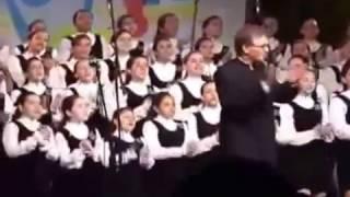 """ How Deep Is Your Love"" (Bee Gees) - Meninas Cantoras de Petrópolis"