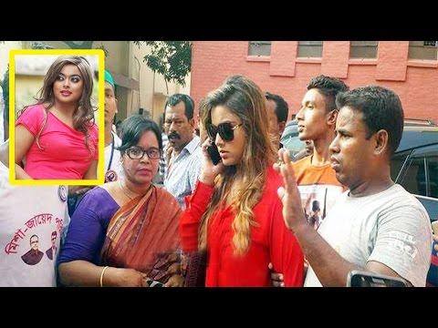 এফডিসিতে অভিনেত্রী সাহারাকে নিয়ে টানাটানি করলো দুই দল | Actress Sahara | Bangla News Today