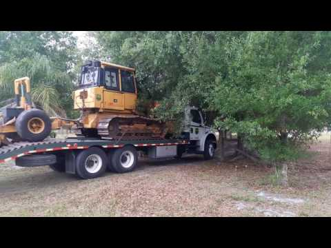 2 FLORIDA FOREST SERVICE BULLDOZER TRANSPORTS RESPONDING CODE 3!!!