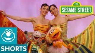 Repeat youtube video Sesame Street: Feijoo Sisters Teach Zoe to Lambarena