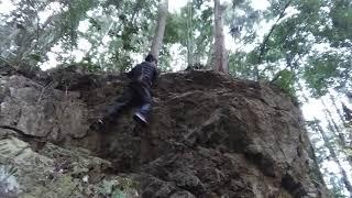 黒山 (仮) アプローチ音痴 8級 【クライミングチャンネル】外岩ボルダリングの動画・トポはクライミングチャンネル 【Climbing Areas and Boulders in Japan】 thumbnail