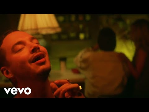 J Balvin - Safari ft. Pharrell Williams, BIA, Sky (Official Music Video)