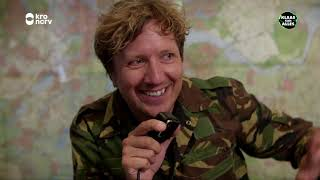 Klaas is voor één dag 'wachtcommandant' bij de Koninklijke Landmach...
