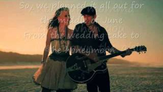 Thompson Square-are You Gonna Kiss Me Or Not