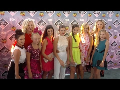 JoJo Siwa, Kendall Vertes, Kalani Hilliker, Brynn Rumfallo Teen Choice Awards 2016 Green Carpet