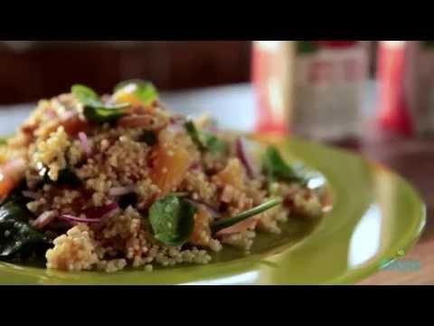 Quinoa Salad With Spinach, Orange & Roasted Almonds