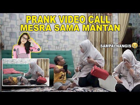 NGAKAK !! UCOK BABA KEPERGOK ISTRINYA VIDEO CALL MESRA DENGAN MANTANNYA ❗❗ 😂