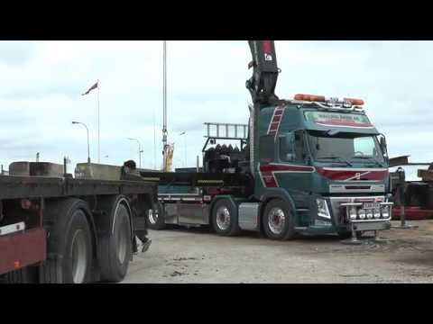 Volvo FM truck and City land D 55 ton crane lift of an old fender work from a trailer  Okt 2016