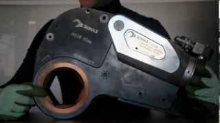 Гидравлический кассетный гайковерт SCHOLZ серии SDW(Гидравлический кассетный гайковерт SCHOLZ модель 30SDW с крутящим моментом от 2 310 до 23 100 Нм с кассетой S85. http://atex-t..., 2014-02-09T10:47:28.000Z)