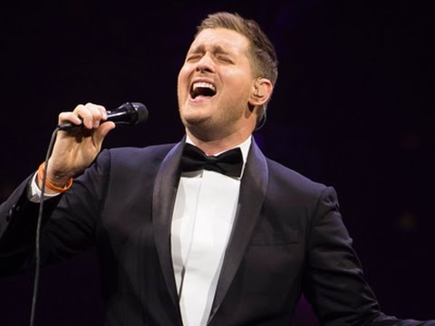 Michael Buble Gets Jiggy With Miss Piggy