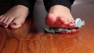 Barefoot Frog Squish