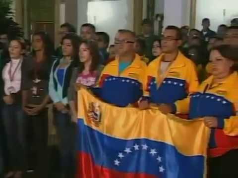 Vicepresidente Nicolás Maduro anuncia que Chávez salió bien de la operación