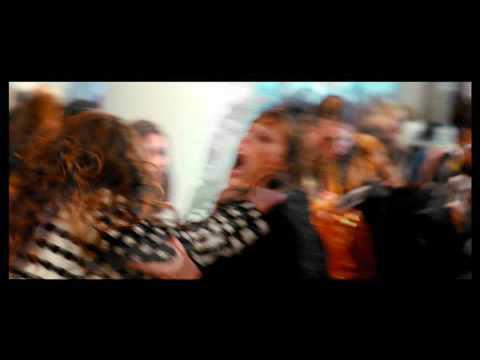video-musical-confesiones-de-una-compradora-compulsiva