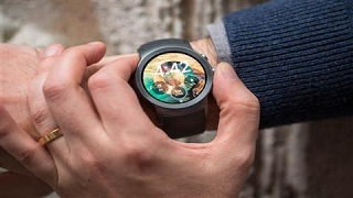 Android Wear 2.0 Takes on Apple Watch
