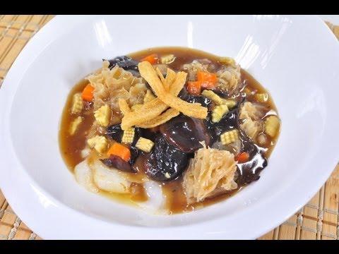 ราดหน้าเห็ดหอมเจ (อาหารเจ) Gravy Noodle with Shitake Mushroom