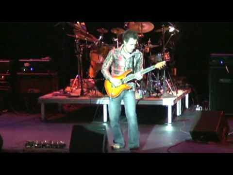 Krisz - Guitar Superstar '09 Performance & Judges' Reviews